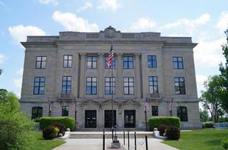 Photo of Brown County courthouse exterior